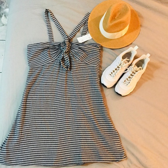 2 FOR $30. 🆕 Gingham Tie Front Summer Dress.